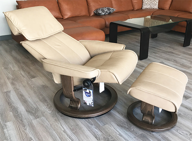 Stressless Admiral Large Paloma Sand Leather Recliner