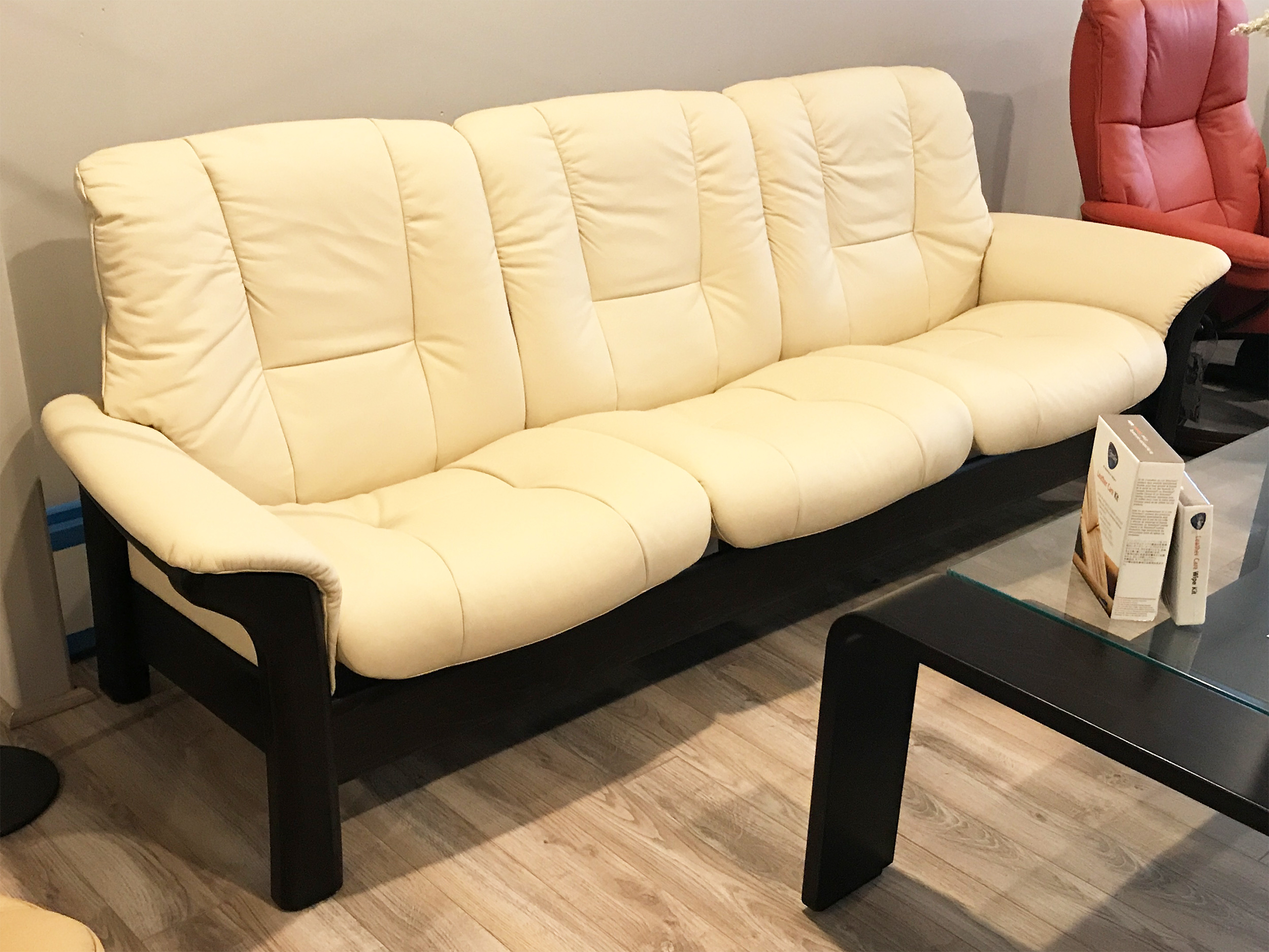 Stressless Buckingham 3 Seat Low Back Sofa Batick Cream