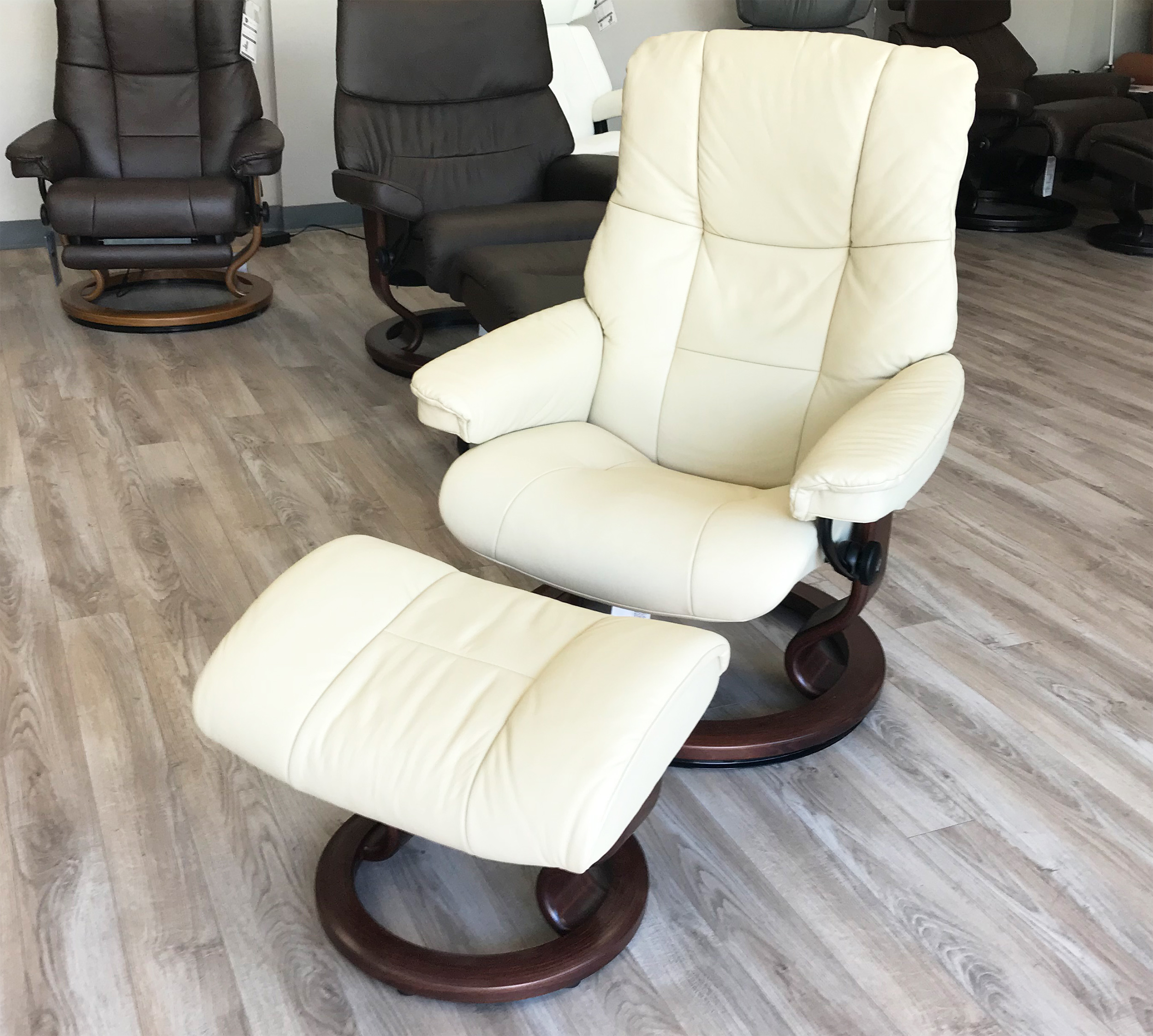 Stressless Chelsea Small Mayfair Paloma Kitt Leather