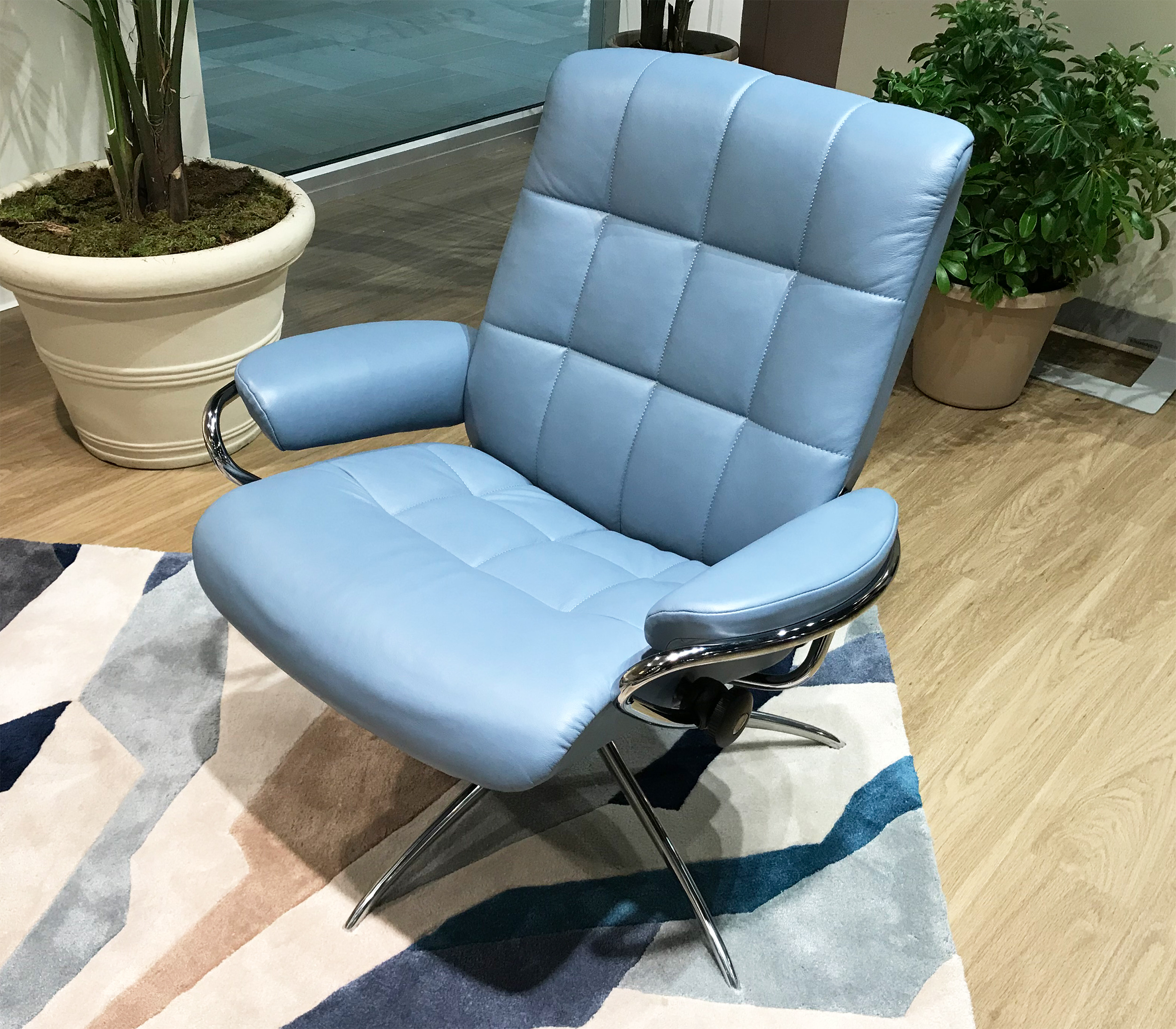 Stressless London Low Back Leather Recliner In Paloma