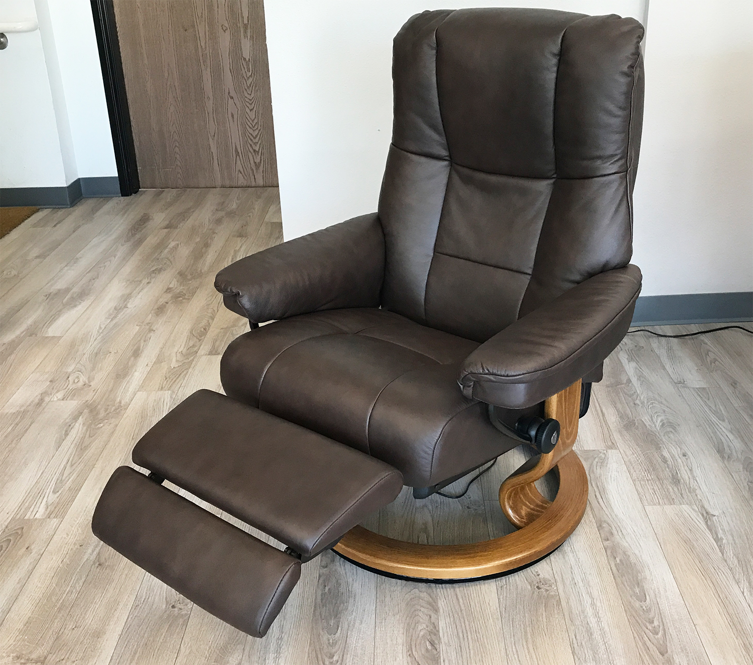 Stressless Mayfair LegComfort Paloma Chocolate Leather ...