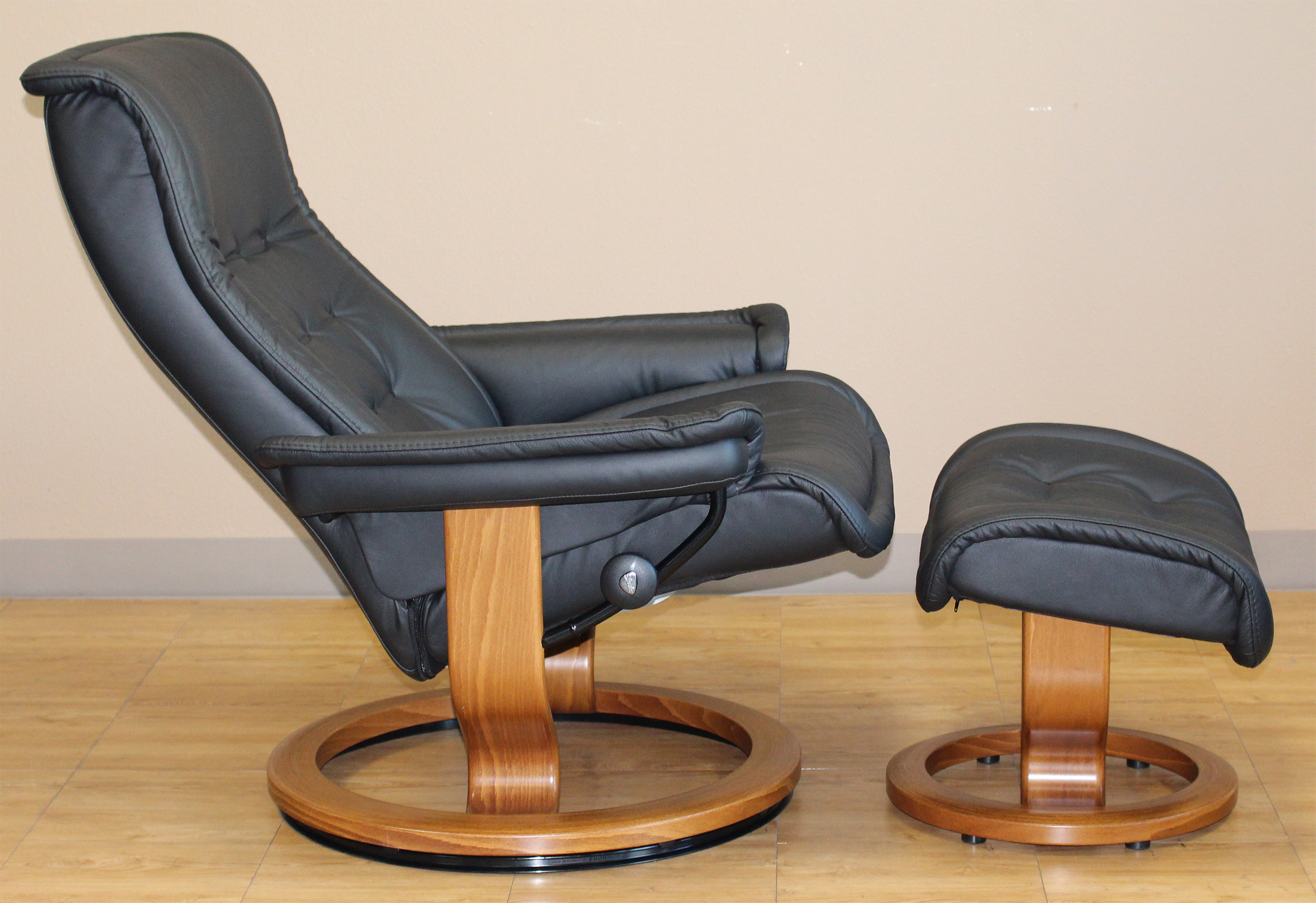Stressless Royal Recliner Chair Paloma Black Leather By