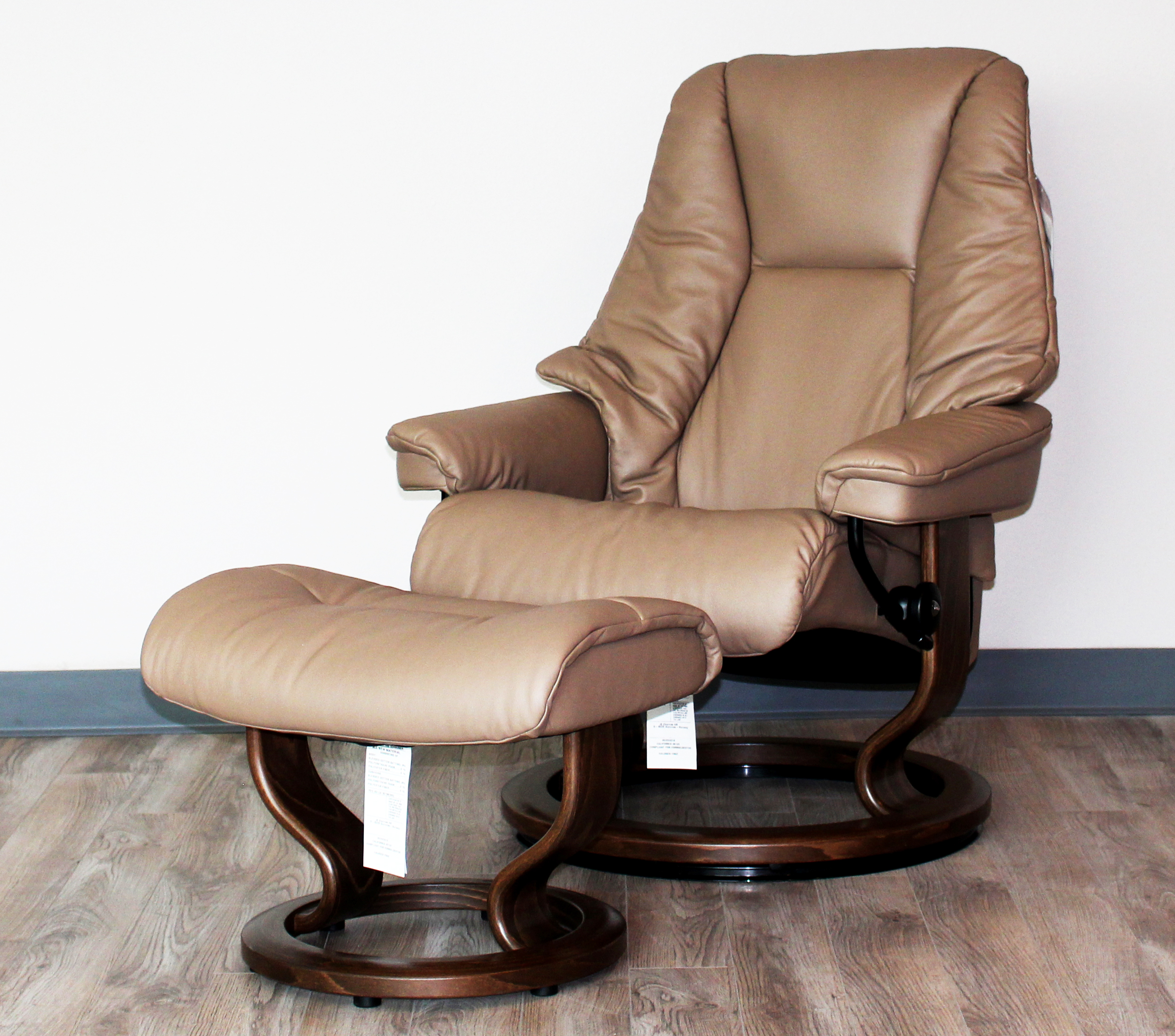 Ekornes Stressless Live Recliner Chair Lounger and Ottoman – Reclining Chairs with Ottomans