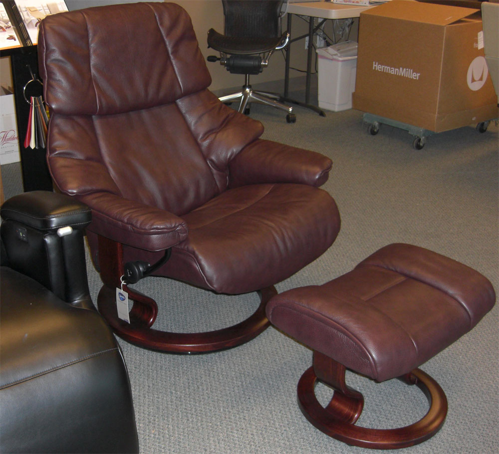 Stressless Reno Amarone Royalin Leather Recliner Chair and Ottoman - Walnut Wood