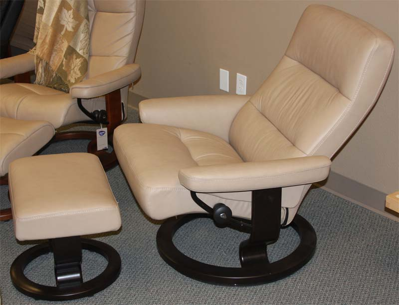 Stressless Pacific Recliner Chair Ergonomic Lounger And
