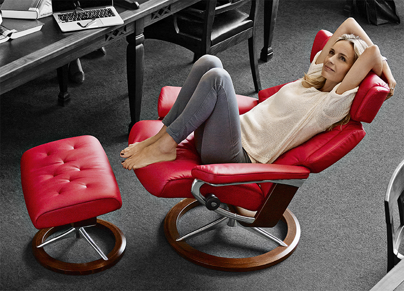 Ekornes Stressless Skyline Leather Recliner And Ottoman