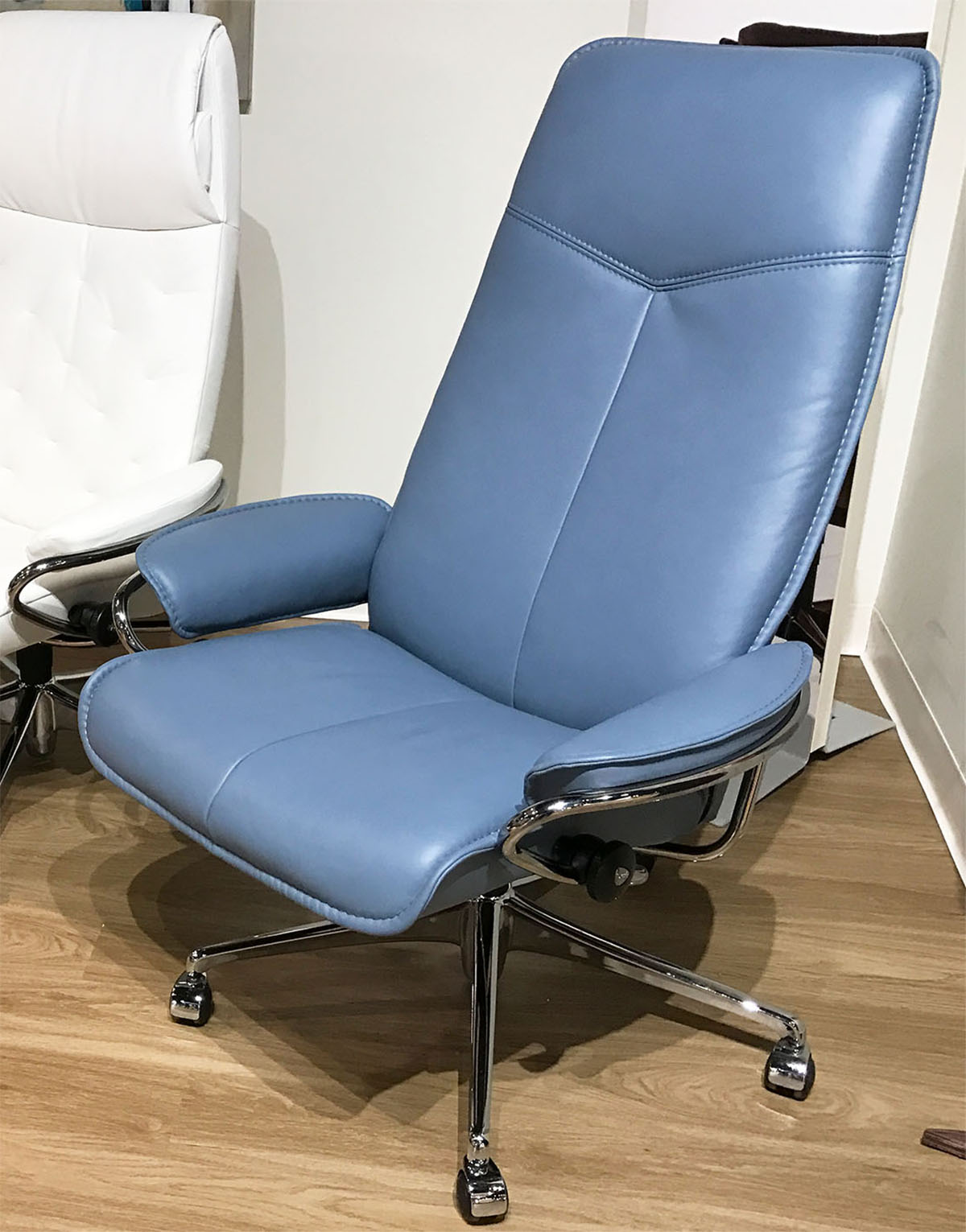stressless city high back office desk chair in paloma sparrow blue leather by ekornes. Black Bedroom Furniture Sets. Home Design Ideas