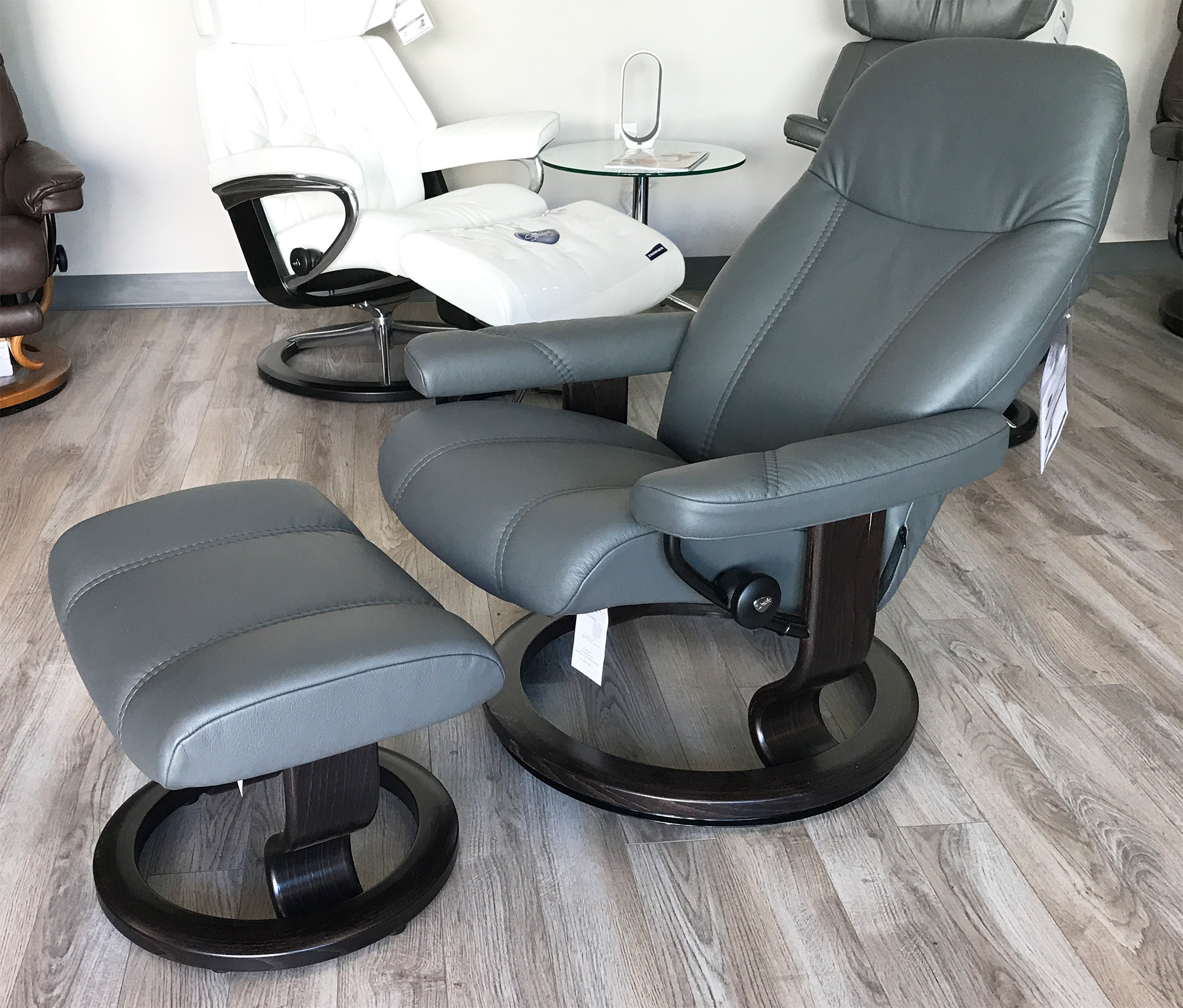 stressless consul recliner chair and ottoman batick grey leather by ekornes. stressless consul recliner chair and ottoman batick grey leather