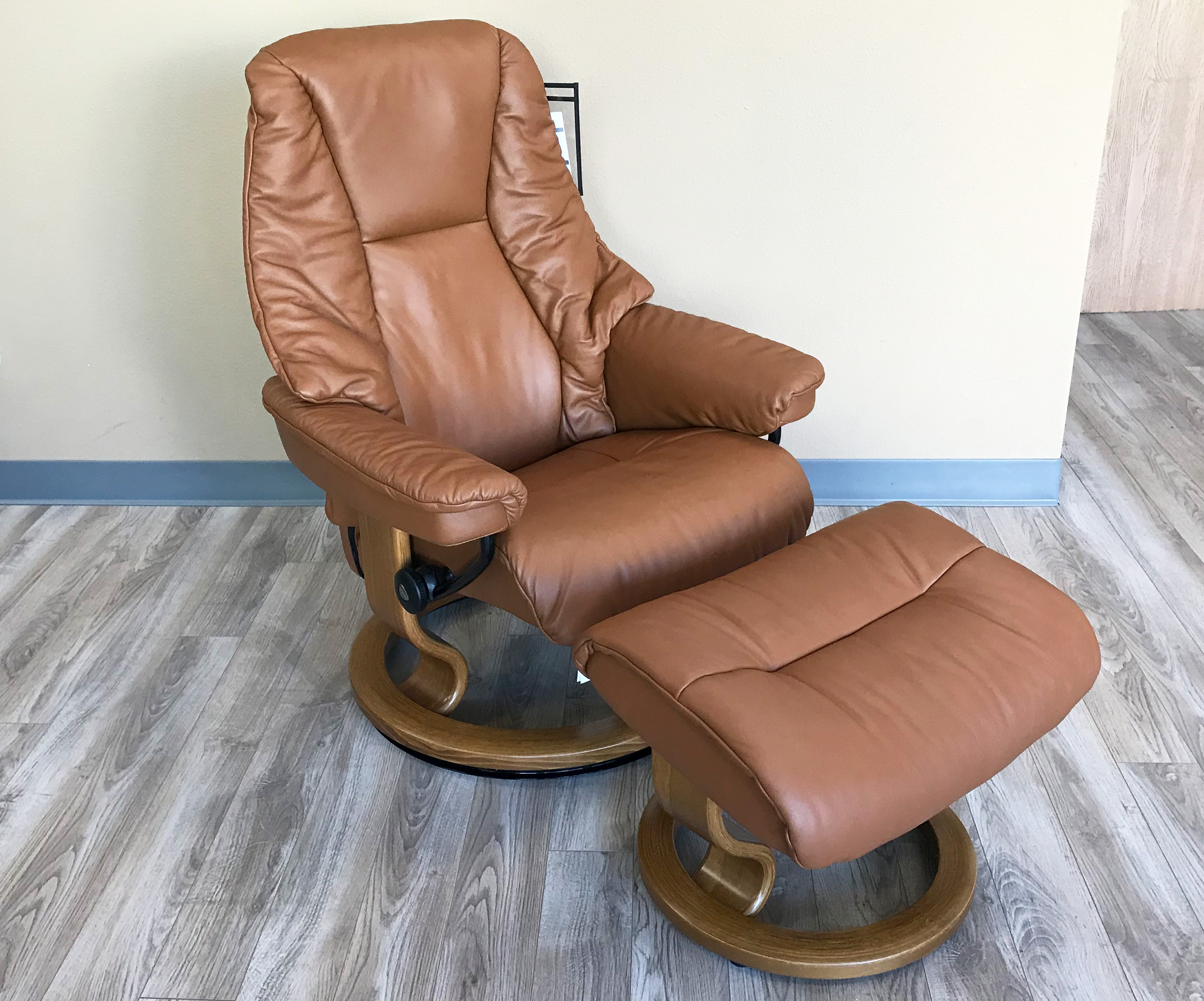 Stressless Live Paloma Copper Leather by Ekornes Stressless Live