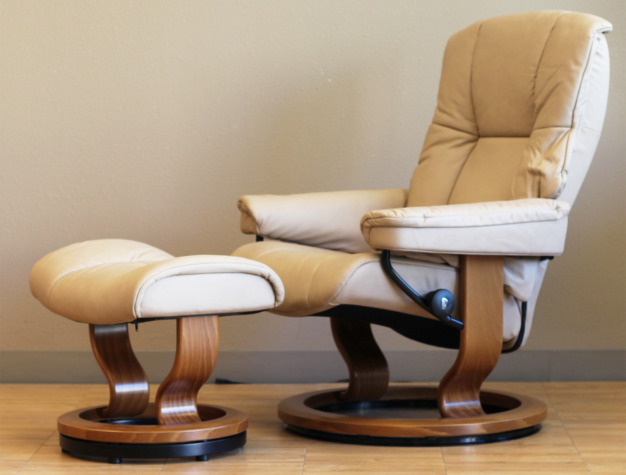 Stressless Mayfair Paloma Sand Leather Recliner Chair By