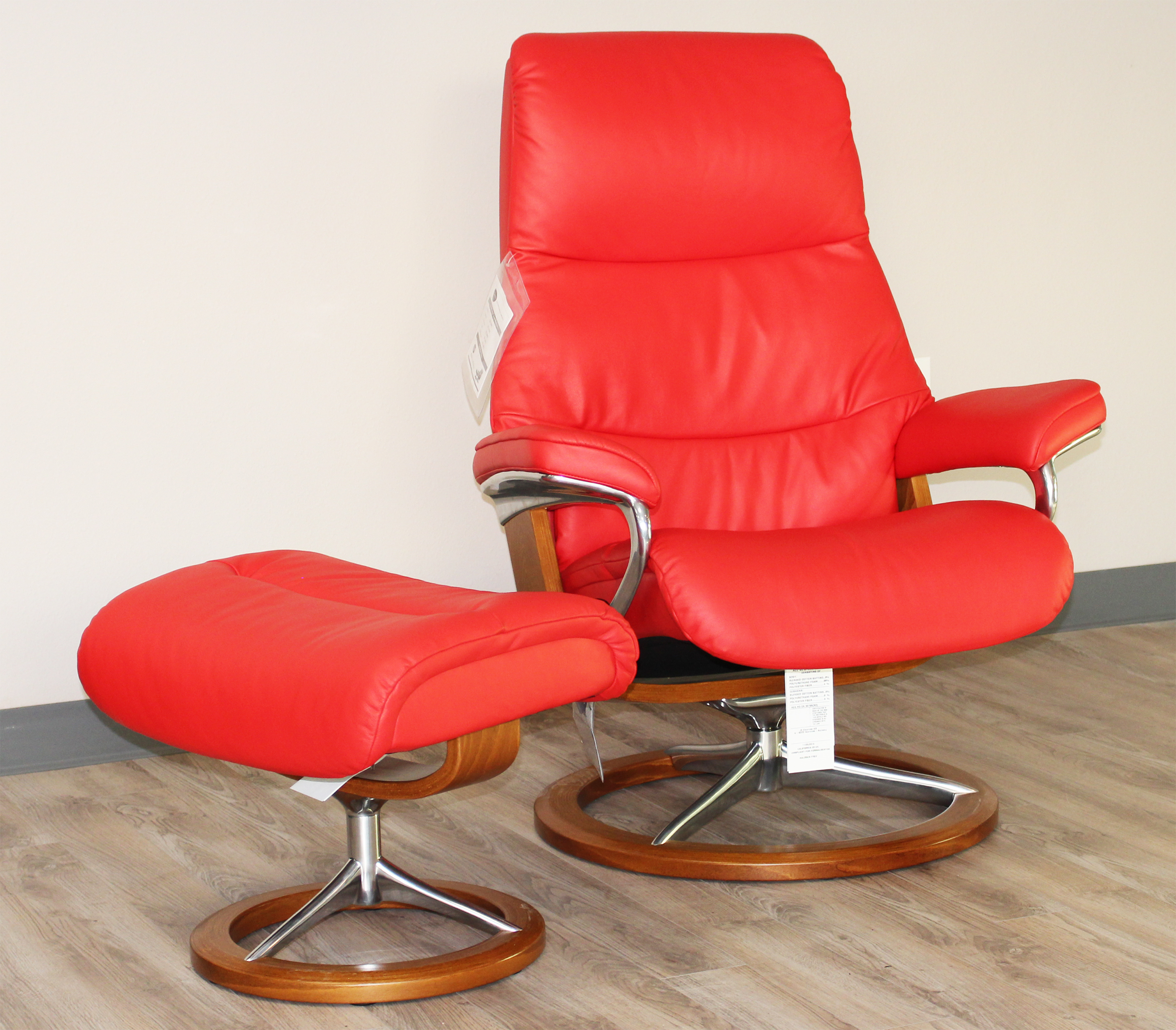 Stressless View Signature Base Medium Paloma Tomato Red Leather Recliner Chair by Ekornes & Stressless View Signature Base Medium Paloma Tomato Red Leather by ... islam-shia.org