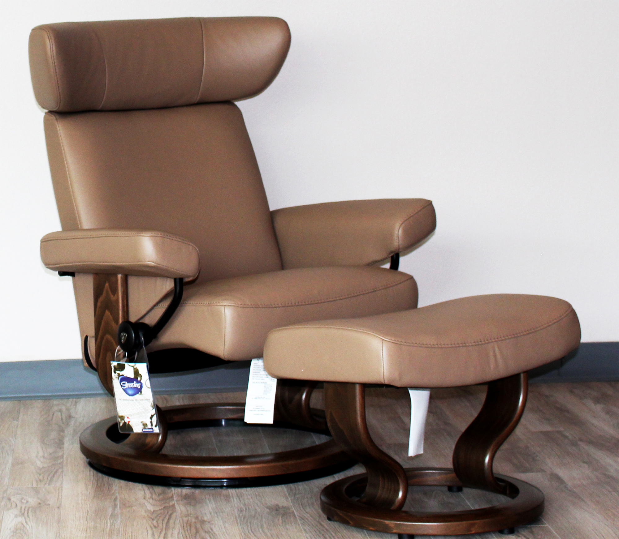 Stressless Viva Paloma Funghi Leather Recliner Chair And