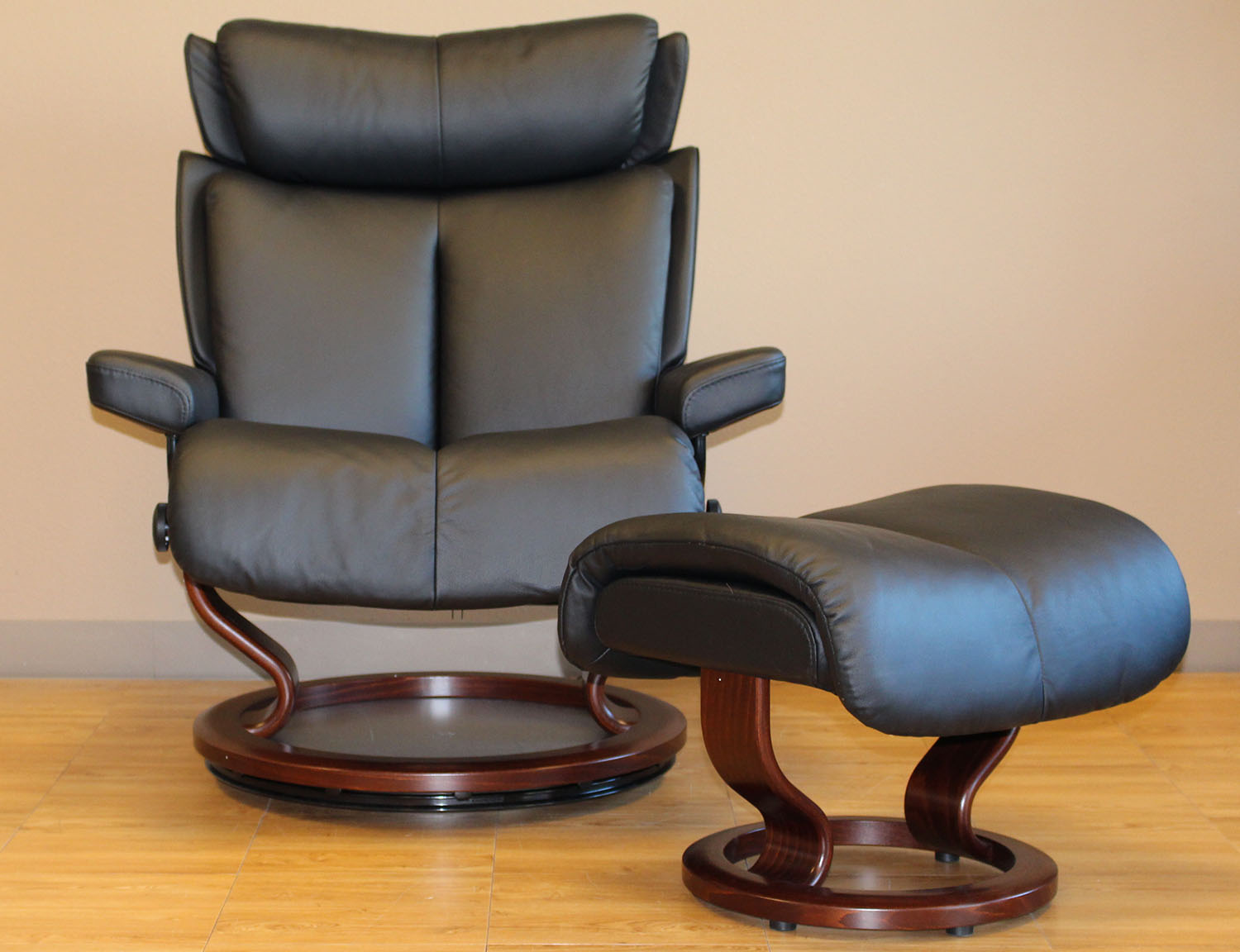 Stressless Magic Paloma Black Leather By Ekornes