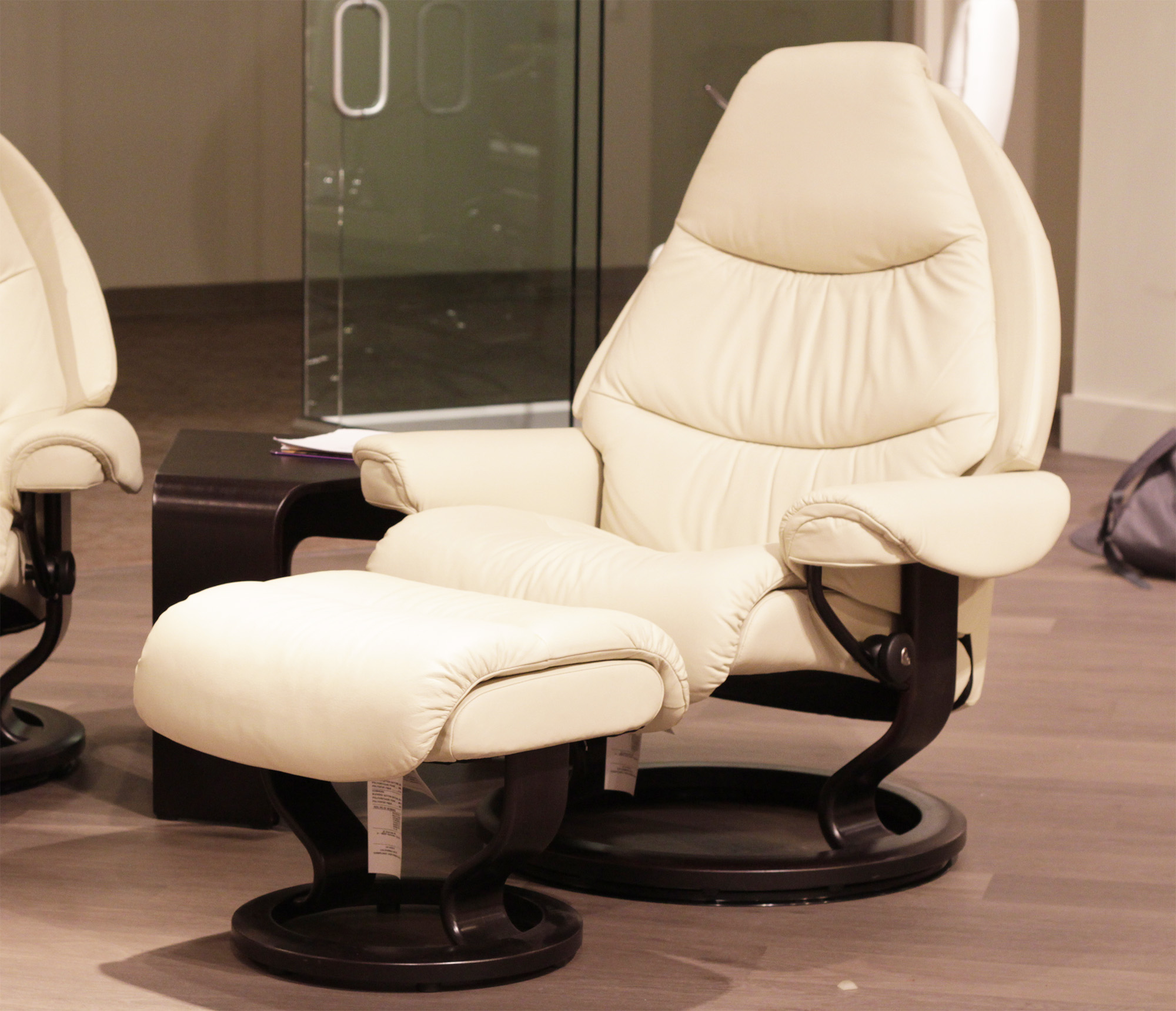 Stressless Voyager Paloma Light Grey Leather by Ekornes