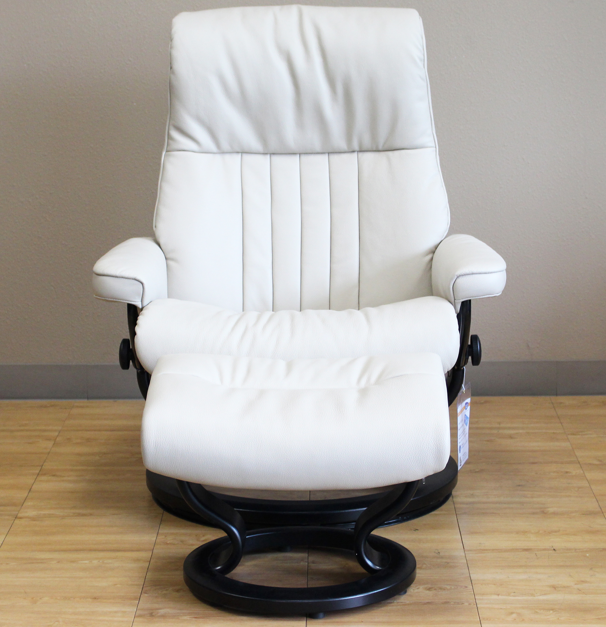 Stressless Crown Cori Vanilla Leather by Ekornes Stressless