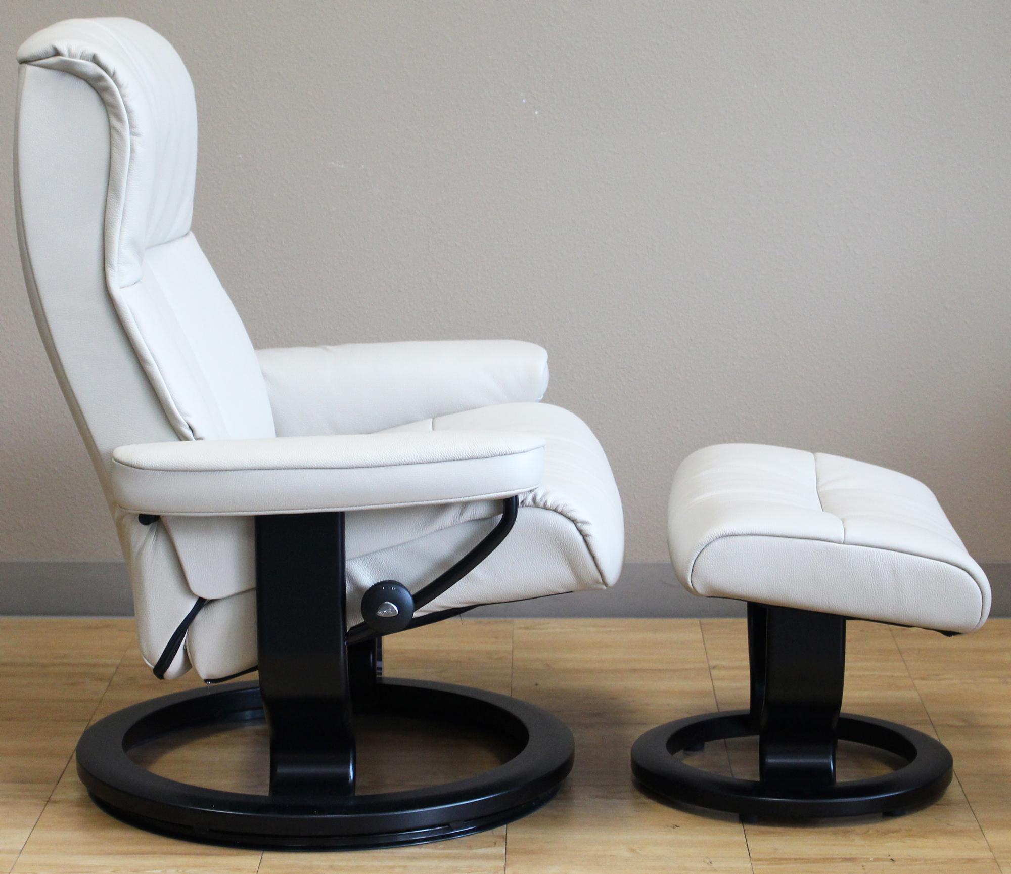 crown cori vanilla white leather recliner chair