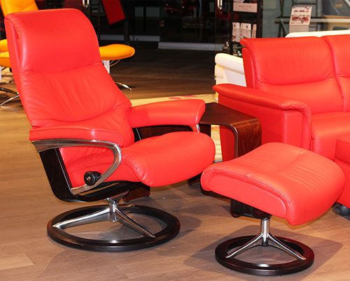 Stressless View Signature Paloma Tomato Red Leather Recliner Chair by Ekornes