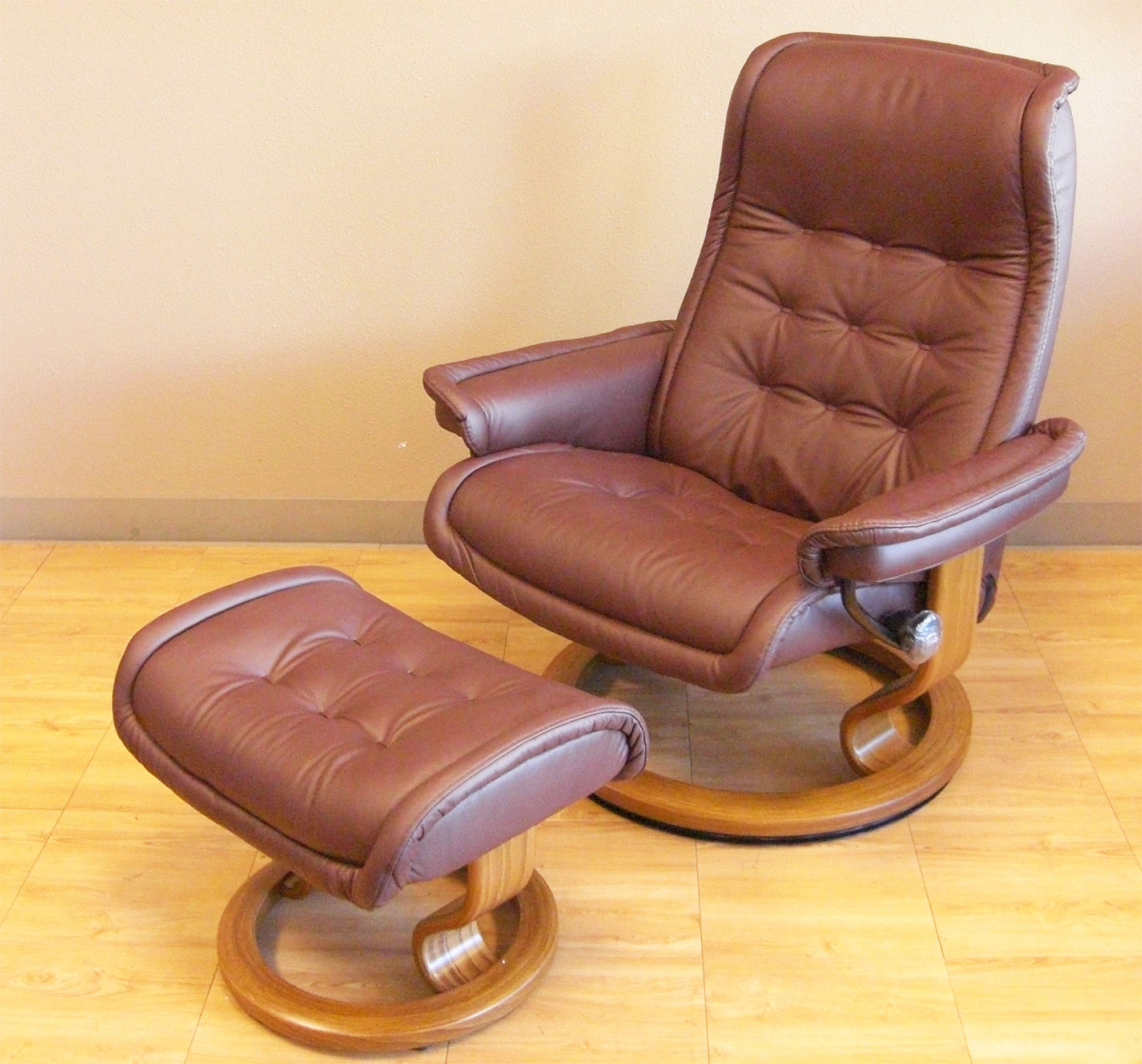 Stressless Royal Paloma Coffee Leather Chair